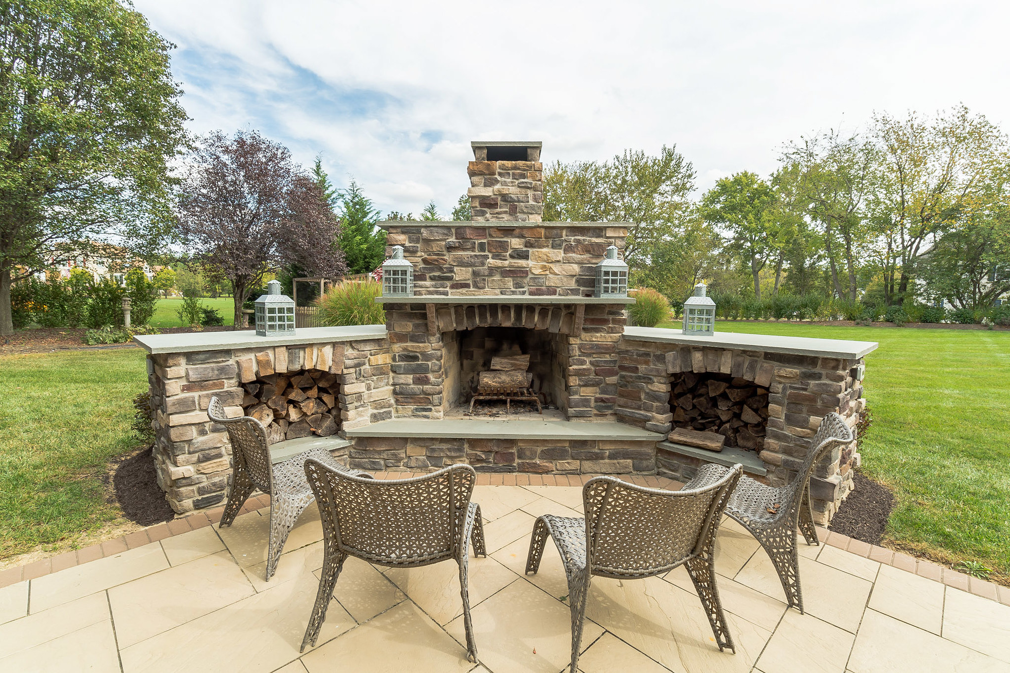 real estate photo - outdoor fireplace