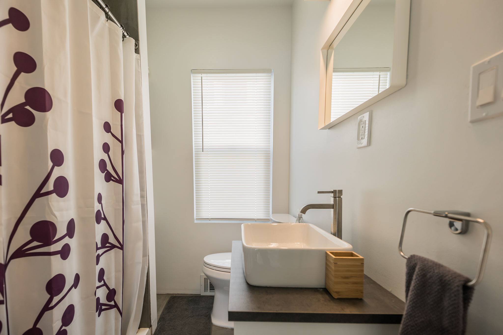 real estate photography - bathroom