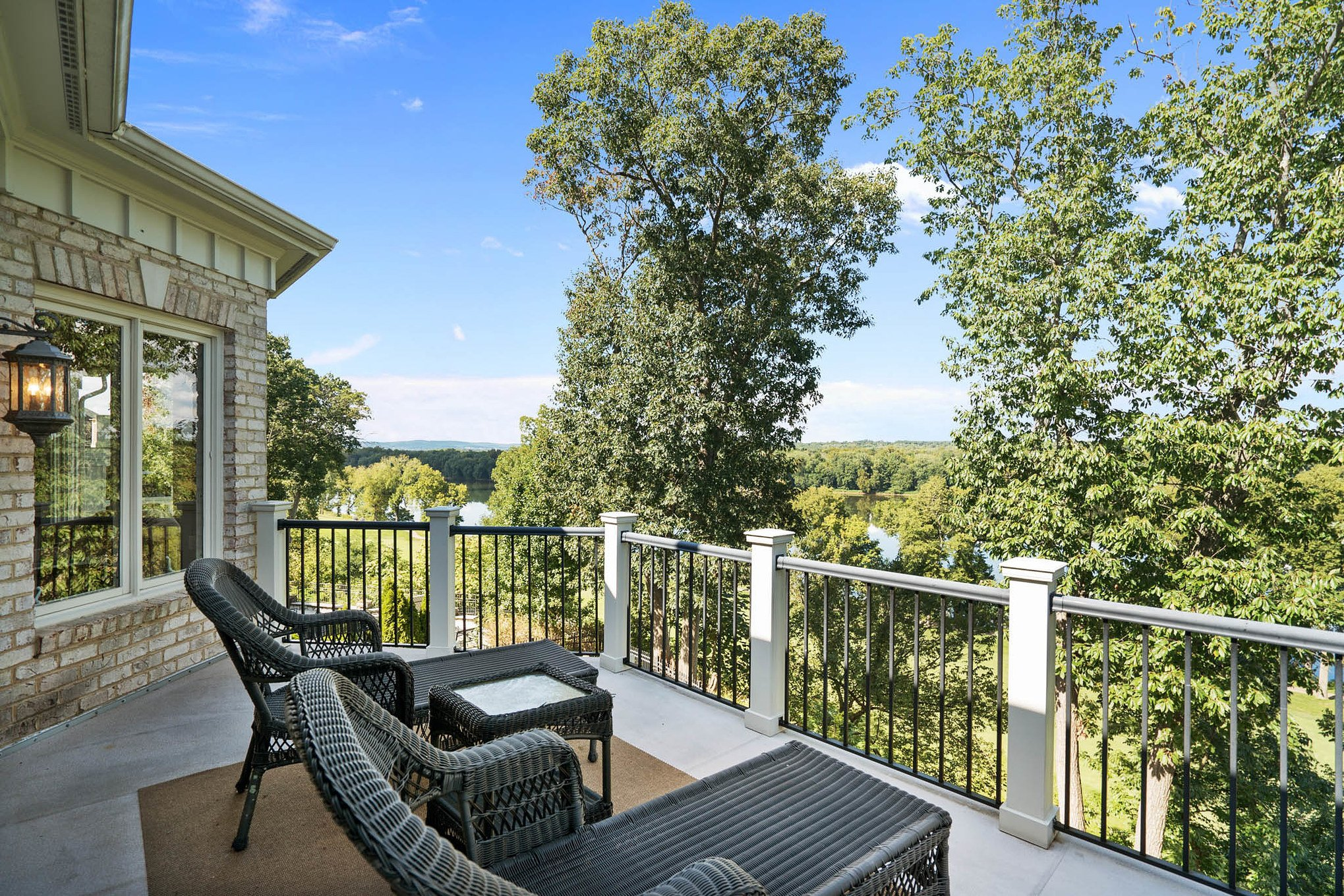 real estate photography - deck