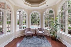 real estate photo - sitting room