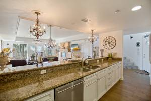 real estate photo - kitchen